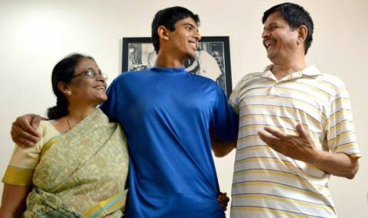 Pictured: Mr. Ashwin Vijayaragavan with his parents, Indian basketball legend, Mr. T. Vijayaragavan and, Mrs. S. Vijayaragavan.