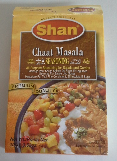 Shan Brand- Chaat Masala. Found in any Indian grocery store near you.